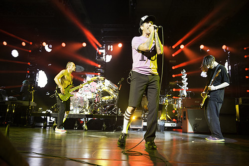 red_hot_chili_peppers-the_cosmopolitan_ACY3213