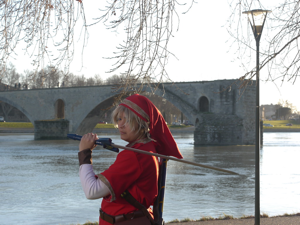 related image - Shooting Red Link - Avignon - 2013-01-03- P1520599