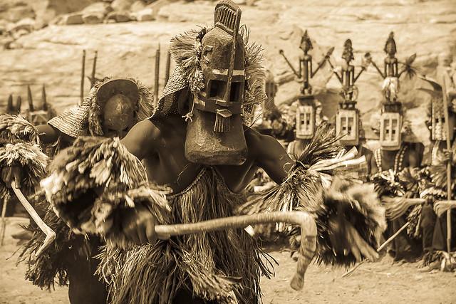 Dogon mask dance, tireli, pays dogon, sahel, mali