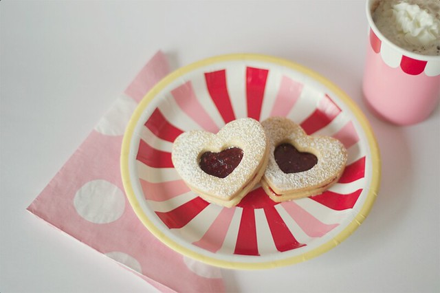 heart raspberry jam (linzer) cookies