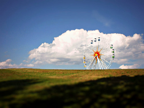 wheel in the clouds by Hänsel & Gretel