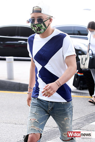 BIGBANG Incheon Airport to Shanghai Press 2015-06-19 013