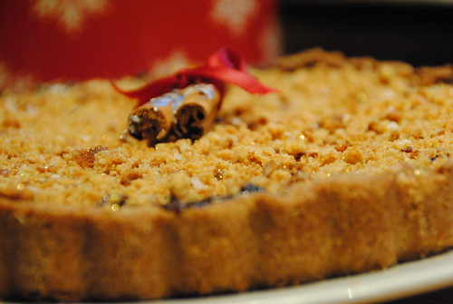 Mincemeat and fruit lebkuchen tart