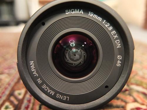 "SIGMA ""19mm F2.8 EX DN"""