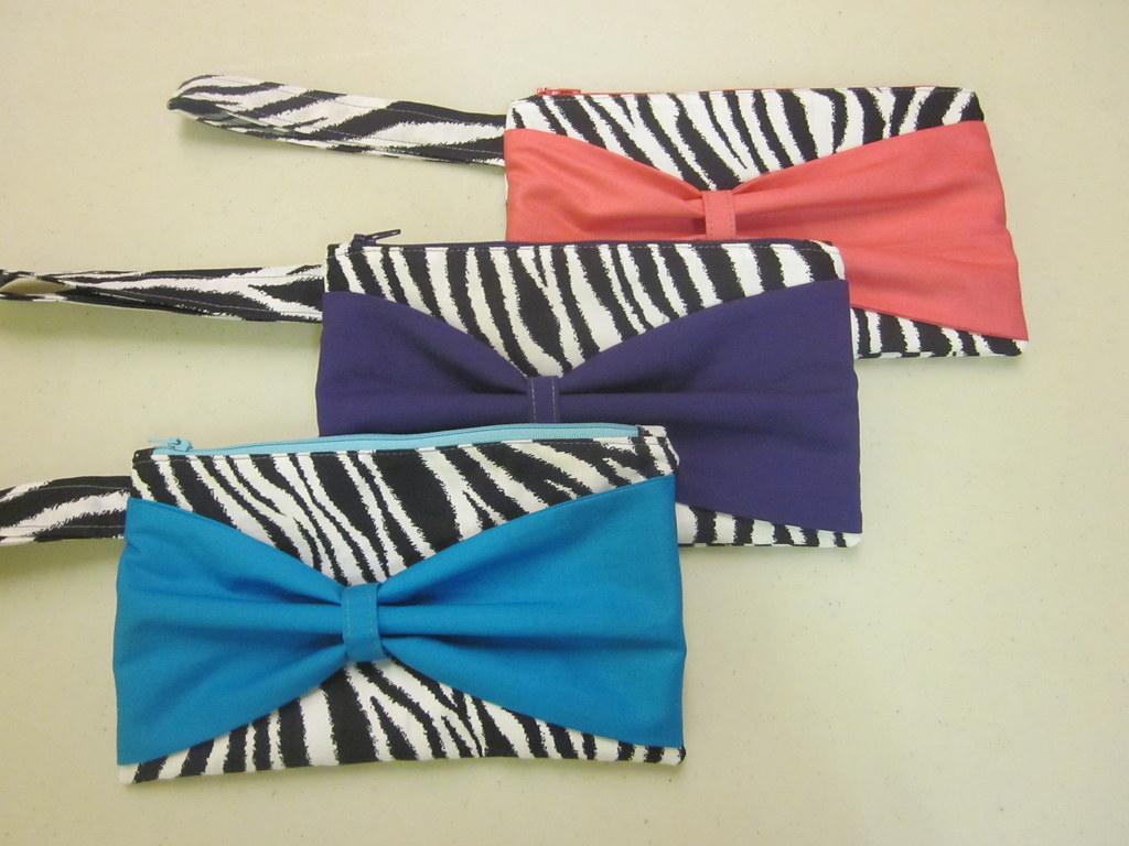 zebra bow clutch