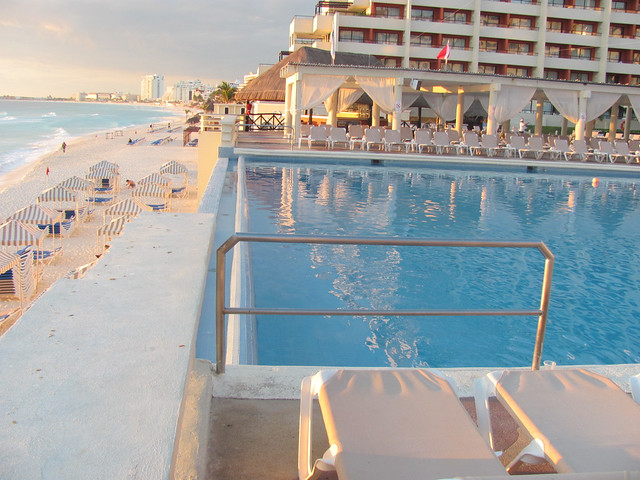 Cancun Hotel- Crown Paradise Club