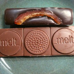 @meltchocolates dark + orange peel & milk + caramelized popcorn both very delish! #japan #snack