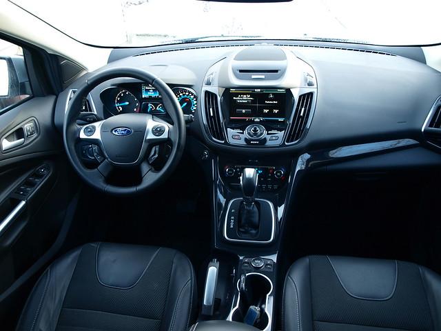 2013 Ford Escape Titanium 4WD 9