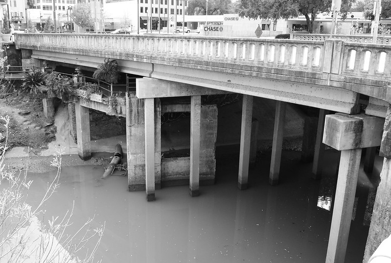 Franklin St. Bridge over Buffalo Bayou, Houston, Texas 1212231233BW