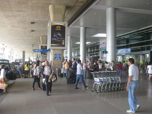arrivee aeroport saigon joie