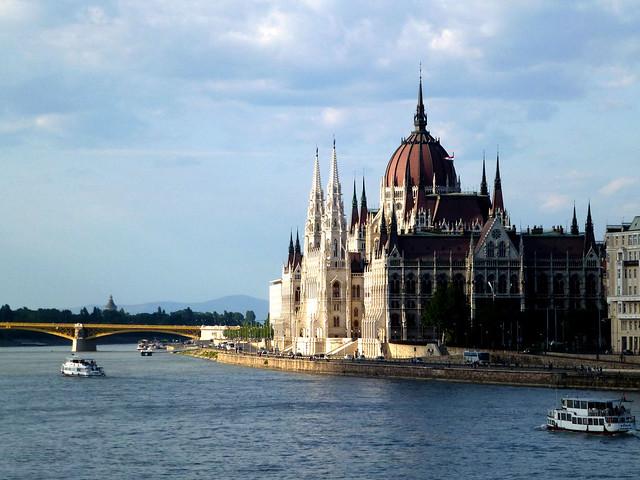Budapest - jour 1 - 49 - Magyar Országgyűlés (Parlement)
