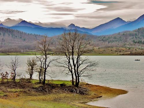 mountain lake nature water landscape europe greece thessaly karditsa plastiras ελλαδα plastiralake limniplastira lakeplastira θεσσαλια λιμνη πλαστηρα καρδιτσα λιμνηπλαστηρα βησσαριου vissariou