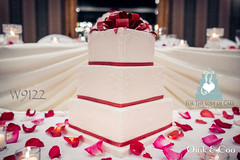 W9122 red white wedding cake toronto
