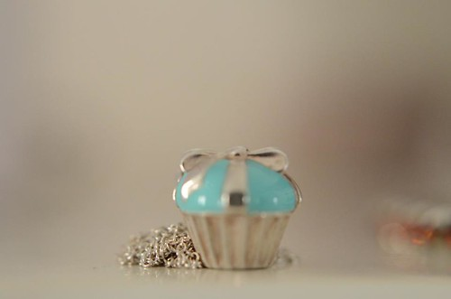 (1) Tiffany cupcake necklace