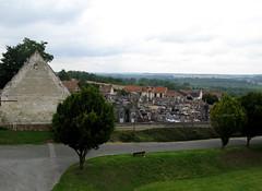 Picquigny (ancienne ferme du château et cimetière) 1