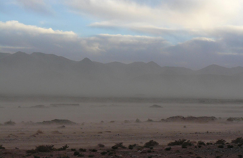 Tormenta de arena vista desde una carretera de Marruecos