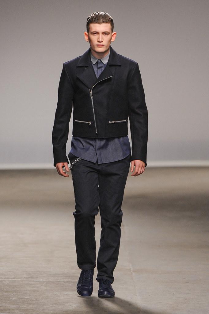 FW13 London Richard Nicoll007_Dylan Hartigan(fashionising.com)