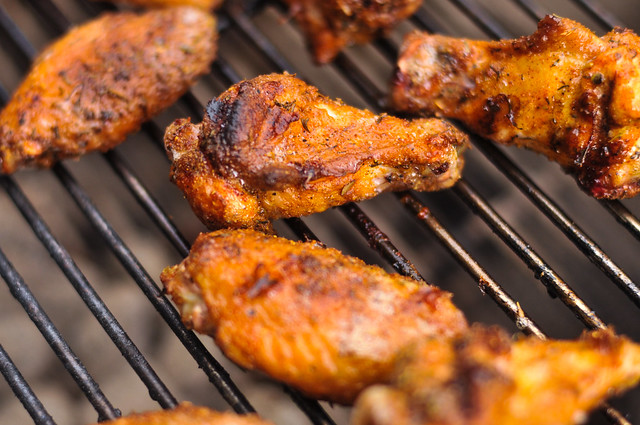 how to get crispy skin on grilled chicken wings