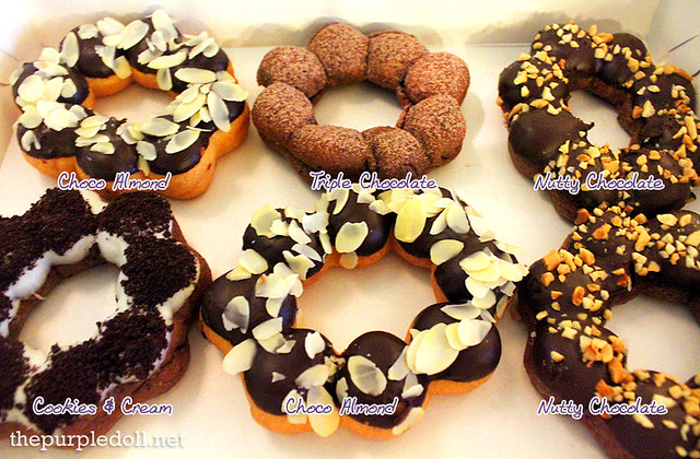 Gavino's Donuts Choco Almond, Tripe chocolate, Cookies and Cream, Nutty Chocolate