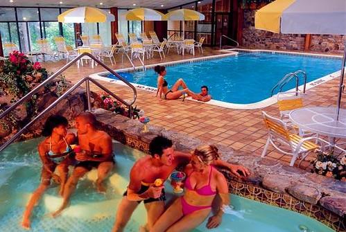 pool hotel unitedstates spg lakeville poolview starwood holidayresort 18438 pennsylvaniapa starwoodresorts starwoodhotels globalconextionshotelsandresorts covehavenresort