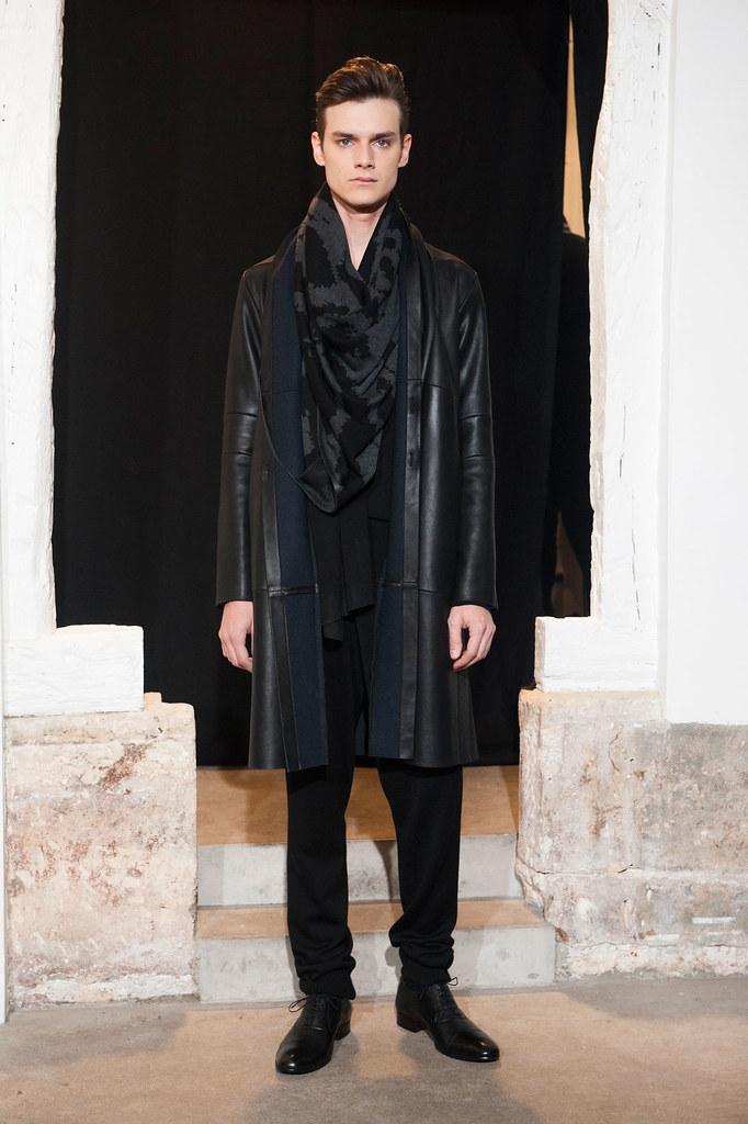FW13 Paris Gustavolins005_Douglas Neitzke(fashionising.com)