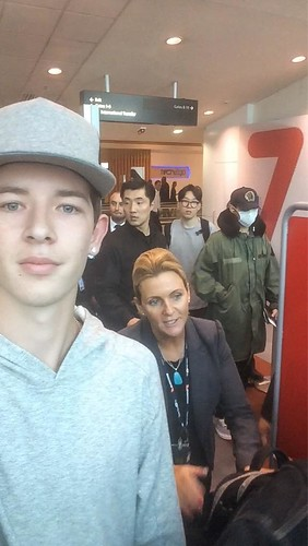 BIGBANG departing Sydney for Melbourne 2015-10-20 (7)