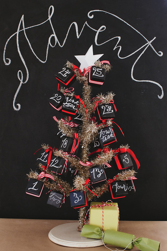 OH HAPPY DAY CHALKBOARD ADVENT CALENDAR