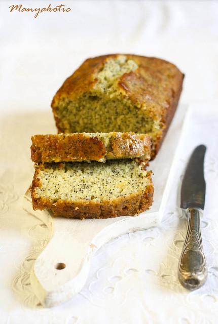Lemon pound cake with poppy seeds