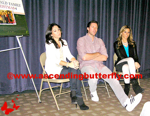 The Moms intro Ed Burns Fitzgerald Family Christmas Mamarazzi 07 WATERMARKED