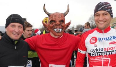 Na Čertovském běhu v Kroměříži zametl s běžci cyklista Radek Šíbl