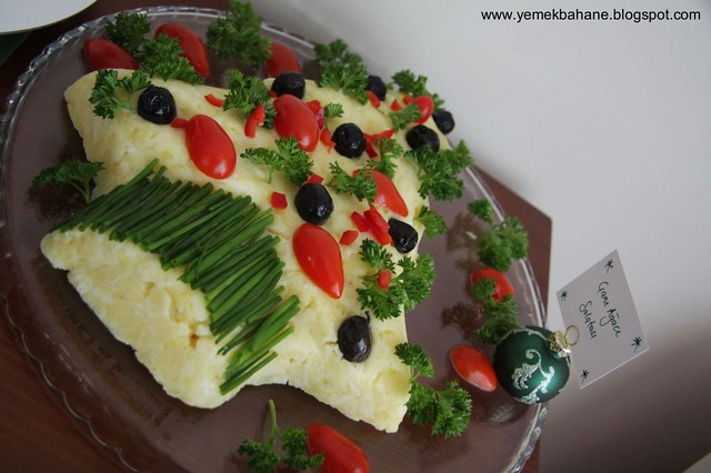 Çam Ağacı Şeklinde Patates Salatası
