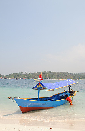 pulau tangkil pantai mutun