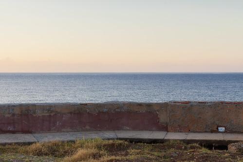 sea concrete horizon cuba malecon siboney