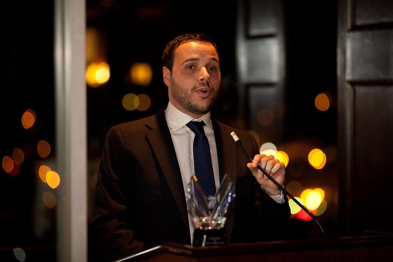 Carlos Gutierréz recibe el Victory Award 2012 - Blog del Año