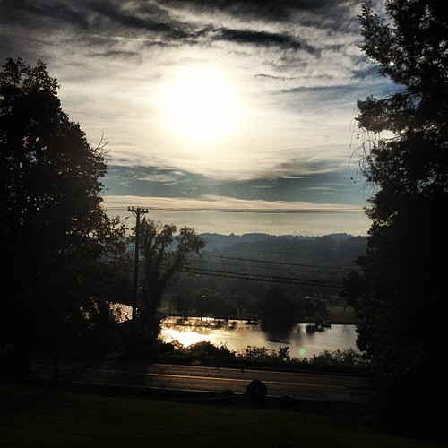 sunrise knoxville knoxvilletn uploaded:by=flickstagram instagram:photo=302014614546157076170002 tooearlyfortennis igersknoxville instagram:venue_name=cherokeecountryclub instagram:venue=1064796