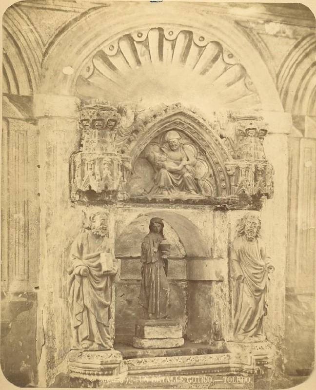Detalle de la Iglesia de la Magdalena en 1875. Fotografía de Casiano Alguacil © Museo del Traje. Centro de Investigación del Patrimonio Etnológico. Ministerio de Educación, Cultura y Deporte