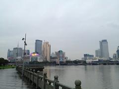 @宁波 下雨的河岸