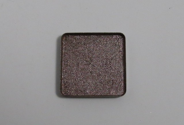 How to turn loose eyeshadows to pressed eyeshadows