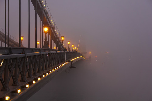street bridge winter light sunset mist cold water fog night lights haze iron hungary arch nebel dusk budapest perspective structure chain fade lamps ironwork duna brücke danube atmospheric pest nightfall donau disappear mistycal lánchíd twilit 550d absolutegoldenmasterpiece gettyhungary1