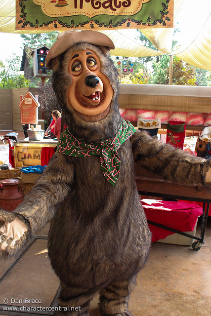 Character fun at the Jingle Jangle Jamboree