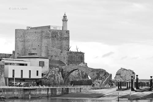 Faro Castillo de Santa Ana