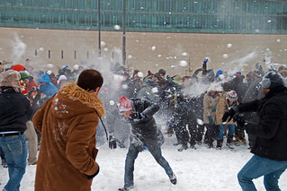 Snowballfight 1