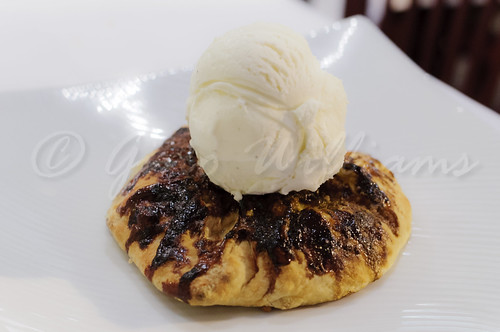 Apple Tartlet with Ice Cream