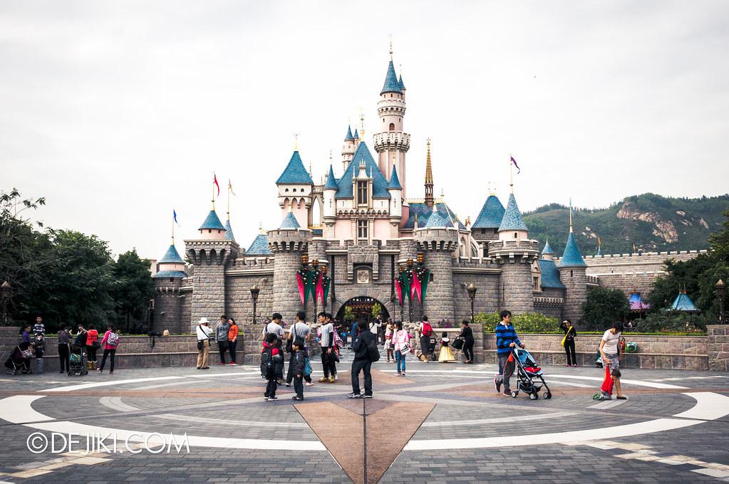Castle, centered