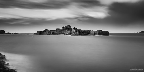 longexposure bw seascape landscape nikon waves harbour sigma jersey 1770 manfrotto d7000