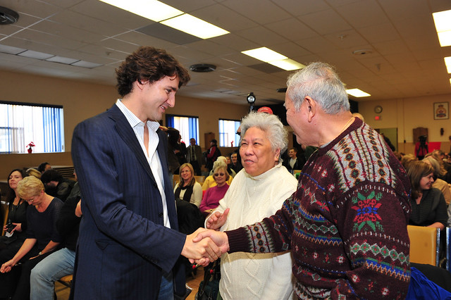 Justin meets Liberal supporters in Midland, Ontario. Justin rencontre des sympathisants à Midland. . Dec 13, 2012.  (Photo: Joe Pacione)