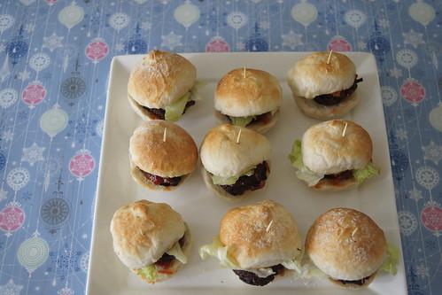 oven baked mini burgers DSC08731