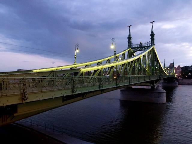 Budapest - jour 2 - 49 -  Szabadság híd