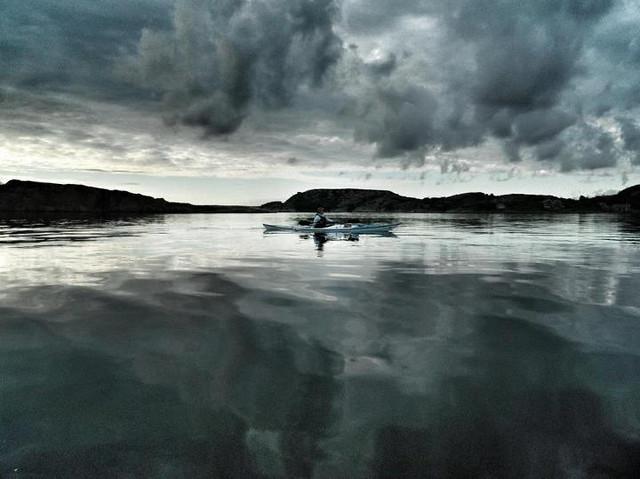 Spegelblank morgon Fjällbacka skärgård
