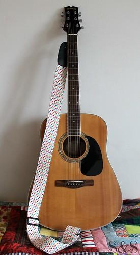 Guitar strap1
